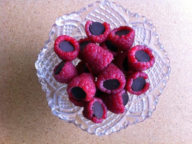 darkchocolateraspberrybites2