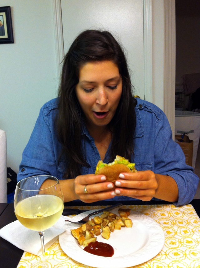 crabburgereating2