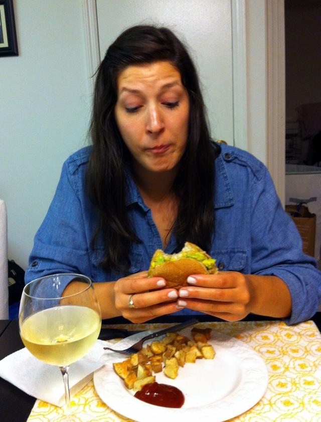 crabburgereating3